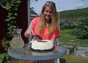 Julia Modin är en av flera Sollefteåbor som firar sin födelsedag. Julia fyller 21 år och vi gratulerar förstås henne och alla andra jubilarer i Sollefteå.