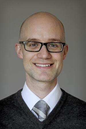 Joakim Olsson Kruse är körledare i Västerås domkyrka, men också en opinionsbildare  inom den svenskkyrkliga musikdebatten och en influencer i kör-Sverige.