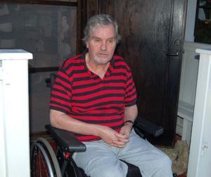 MS-sjuke Håkan Persson nekades plats i arenan. Alla handikapplatser var bokade.