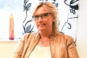 Denise Wallén, socialchef,  får 5 000 kronor mer i månaden.