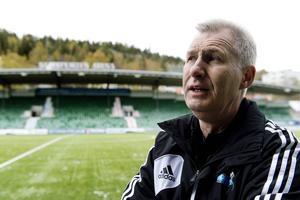 Kenneth Svensson, tränare i SDFF, såg kvalmotståndet på plats i Umeå på lördagen.