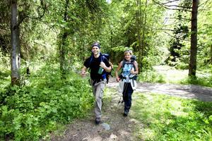 Egils Jurkovskis och Anki Karlsson från Järna respektive Gnesta gillade att vandra 58 kilometer längs Gästrikeleden.