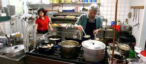 Jimmi Lee är boss i köket, men han och frun Yeng är väldigt samspelta efter 30 år.