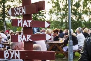 Nachotalrik, hamburgare och Brodéns egna öl var bara några av lockelserna på menyn.