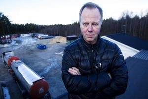 Vd Bo Zetterman säger att åkeriet på flera punkter skärpt säkerheten som en följd av dödsolyckan 2001. Foto: Emil Eiman-Roslund.