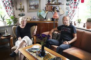 Team. Margaretha Eriksson och Peter Nyblom har gett ut tre böcker tillsammans. I somras blev de utsedda till Årets Fagerstabo 2014.