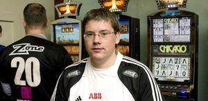 Tar inte över Rönnby. Stefan Hedlund dementerar ryktet om att han skulle vara Rönnby Tigers nästa tränare.