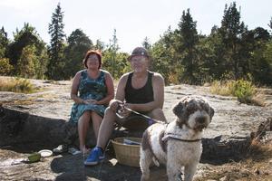 Eva och Lars Bergman passar på att ha en minisemester i Furuvik när det är säsongsavslutning och Ledin-konsert.