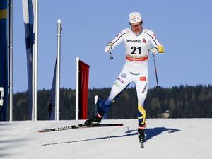 Axek Ekström på väg mot 17:e-platsen i Toblach.