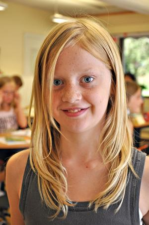 Wilma Sanderfors, 10 år, klass 4:– Det är roligt att träffa fröken och kompisar, fast jag har inte direkt längtat.