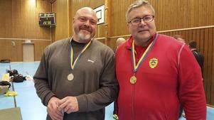 Stefan Flodberg, till höger, vann i klass 120 kg, Master2.