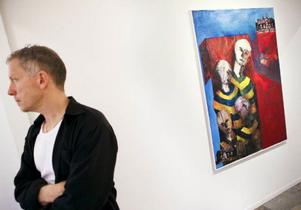 Stefan Törn visar emaljkonst samt måleri på Galleri S. Hans emaljer är bäst med starka kulörer och formspråk.