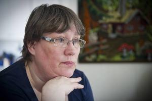 Jeanette Norling, Sverigedemokraterna:   – Vi har delade åsikter om hallfrågan inom partiet. Personligen anser jag att kommunen blöder och att vi inte har råd.