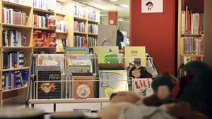 Biblioteket i Nynäshamn förtjänar en hyllning, menar insändarskribenten.