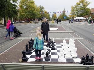 Ett alternativ till användandet av stadens ytor är spel och lek. Grön trafik hoppas att eventet ska kunna få fler att fundera kring vad det går att göra när biltrafiken inte är i vägen.