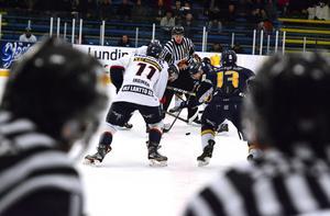 Borlänge har hamnat i en uppförsbacke i play off mot Kallinge/Ronneby.