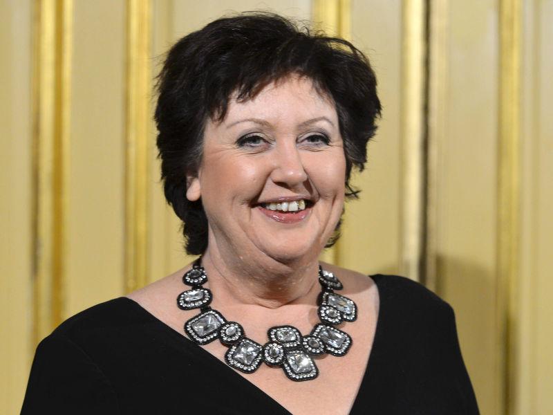 Stina ekblad i tv4s nya humorserie