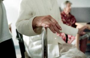 DUBBelt ANSVAR. Nu ska lokala chefer i Tierps kommun få ansvar både för omsorgen och sjukvården vad gäller äldre människor.