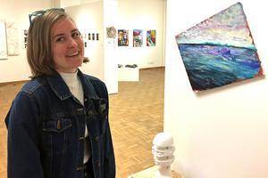 Västerås Konstskola har varit en väg för Andrea Kjellberg att hitta sitt eget uttryck.