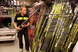 Kenth Östberg på Runes Sport vet vad som behövs om man ska bli en bra skidåkare.