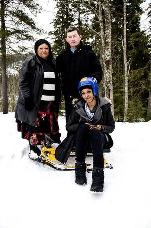 Maria Ayera, Carlos Gomez och Clarise Baguma läser alla SFI i Hammarstrand och Bispgården. Denna vecka står snöaktiviteter på schemat.