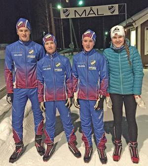 För första gången på sju år har Hedemoras skidklubb åkare som tävlar i en SM-tävling. Åkarna som deltar i helgens USM heter (från vänster i bild) Edvin Anger, Martin Arfs, Arvid Gustafsson, Tove Levin-Johansson.