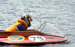 Båtarna i uppvisningen kommer upp i 50-60 knop. Foto: Hillevi Mårtensson