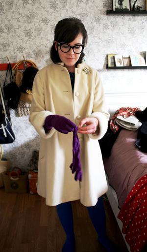 Den vackra vita 60-talskappan fyndade Heidi för 40 kronor.