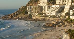 Stranden kvalificerar sig på Vagabonds lista främst för närheten till Kapstadens shopping- och nöjesdistrikt.