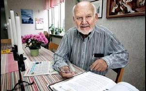 --  Det är svårt att förstå att man har två olika skattesystem. Men den stora frågan är den eftersläpning som pensionärerna haft de senaste åren, säger Inge Johansson, ordförande i PRO Hagalund-Tjärna.FOTO: LINA AXELSSON-BERG