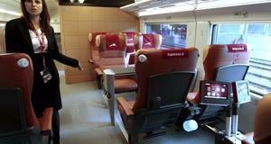 Inuti Italiens nya snabbtåg. Man har satsat på komfort, med breda gångar och lädersäten.