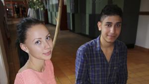 Niondeklassaren Fanny Brandberg och åttondeklassaren Salah Aalaq går på Risbroskolan och kämpar för att få bra slutbetyg.