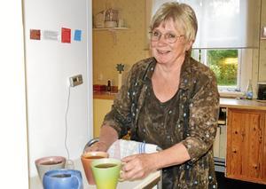 Kaféägare. Moa Rudebert, keramiker och kaféägare i Svalbo, tycker att det blivit en bra blandning på musiken i år.