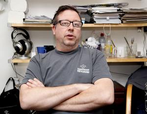 Mats Kullman har jobbat på Sandvikens Tryckeri i 15 år.