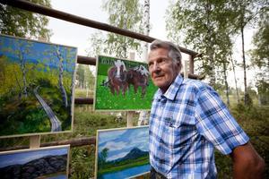 Mitt i naturen. Mats Qvarnström ställde ut sin konst.