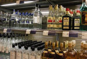 Systembolagets monopol bidrar till att hålla nere alkoholkonsumtionen, konstaterar Anna Almberg.Foto: Scanpix