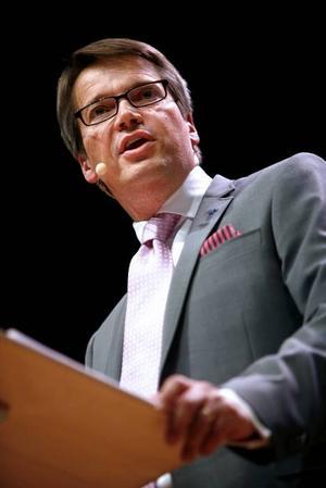 Sänker alliansen. Göran Hägglund har i alliansregeringen fått igenom partiets hjärtefrågor från fastighetsskatten till vårdnadsbidraget, men har samtidigt allt mer blivit högeralliansens sänke.                Scanpix