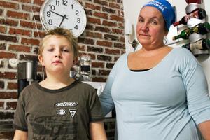 Melvin Östh-Sandquist och hans mamma Maud Östh.