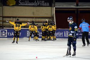 Det blev en tung förlust för Falu BS hemma mot Örebro på söndagen. BS är dock kvar på tredje plats i den otroligt jämna tabellen för allsvenskan norra.