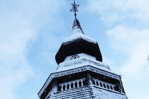 Klockstapeln vid Ovanåkers kyrka håller på att ruttna inifrån.
