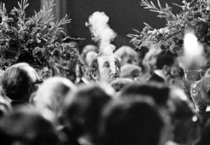 Klassik bild med Thorbjörn som bolmar rök från sin pipa. Bilden togs 1976.
