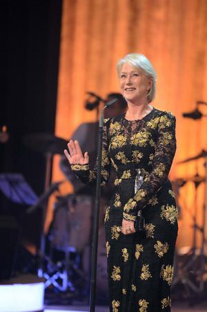 Helen Mirren fick stående ovationer på den europeiska filmgalan på Malta.