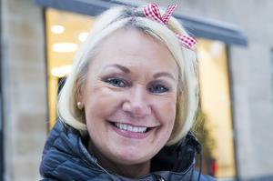 Åsa Wännström, Domsjö:– Jag har det inte så tufft. Men lite nya, fina vårkläder.