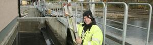 Om några veckor är ombyggnaden av Lyftinge kraftstation klar. Det är ett omfattande lyft för Lyftinge där hela dammen bytts ut med nya dammluckor och nya betongkonstruktioner. Kim Bergström är en av killarna i arbetslaget som jobbat sedan i maj.