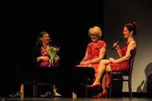 Kvällen bestod också av ett samtal om hur det är att vara kvinnlig komiker.
