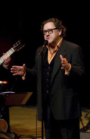 Kvalitet. Tommy Körberg - högsta kvalitet på sången, varierad kvalitet på mellansnacket enligt VLT:s recensent.