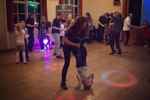 Danspatrullen vänder sig till barn och vuxna.