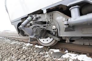 Den svenska järnvägen är i kris, skriver tre socialdemokrat och ger förslag på hur de anser att problemen kan lösas..