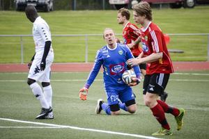 Sebastian Henriksson var bäst i Valbo och höll på att fixa en poäng till sitt lag. Men Ånge kunde till slut göra två mål och vinna matchen.