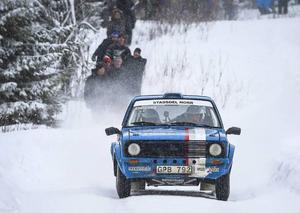 På hemmaplan kunde Fredrik Magnusson, JMK, köra specialsträcka 5 på Gällsåberget utan att släppa på gasen.